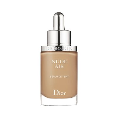 Base Líquida Diorskin Nude Air Foundation... 040 Miel_