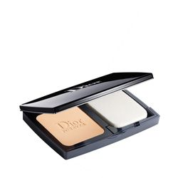 Base-Diorskin-Forever-Compact-010